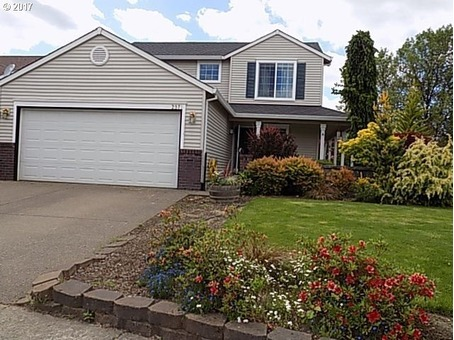 Home for Sale in McMinnville, OR 269,900